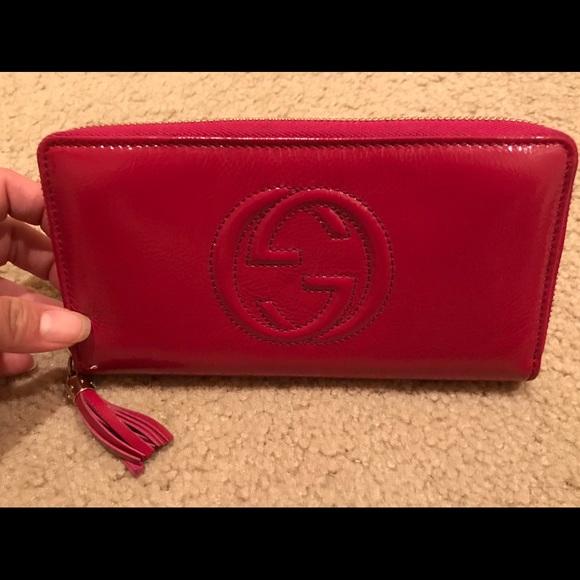 46f31607292c Gucci Bags | Fuchsia Soho Patent Leather Zip Wallet | Poshmark